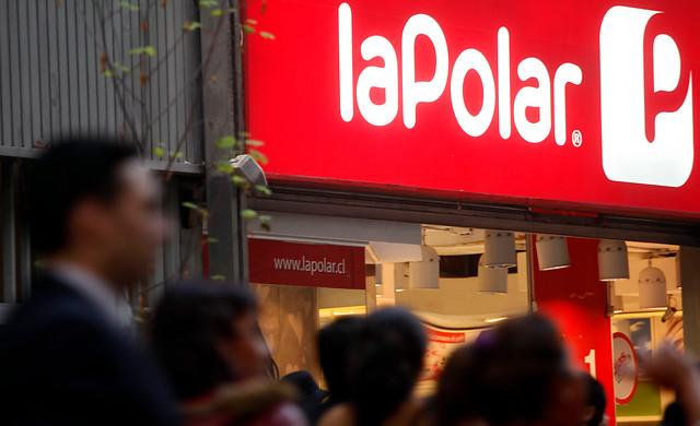 Otra vez La Polar: Sernac demandó colectivamente a la tienda por eventual refinanciamiento no informado
