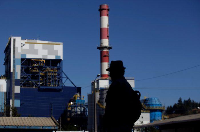Ejecutivos de Endesa serán formalizados por contaminación de central Bocamina: Denuncian muerte de trabajdores por asbesto