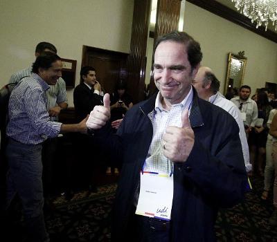 Larraín cede y jovinismo instala a Guillermo Ramírez como secretario general de la UDI