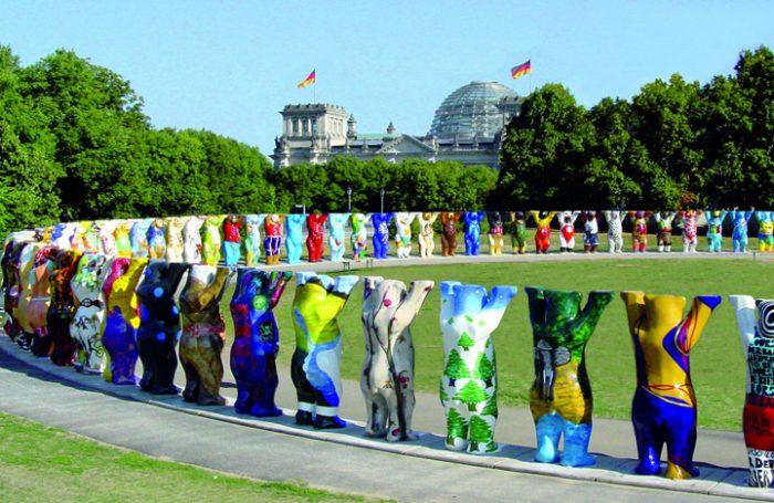 """Exposición internacional """"United Buddy Bears"""" en Parque Bicentenario de Vitacura, entre el 23 de abril y el 19 de junio"""