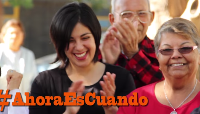 Karol Cariola lanza campaña para impulsar la creación de la Tarjeta de Transporte del Adulto Mayor
