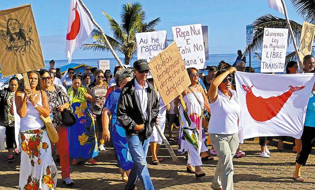 Chilenos parias: el lado B del larvado conflicto político en Rapa Nui