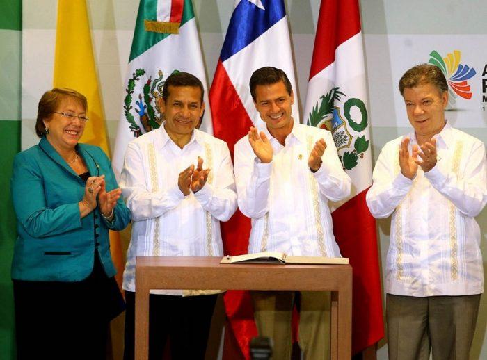 Solari, Cueto, Paulmann: los nombres entre los más de 50 empresarios que acompañan a Presidenta Bachelet a cumbre Alianza del Pacífico en Perú