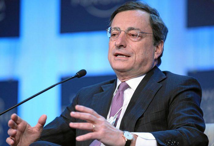 Draghi defiende mantener estímulos monetarios hasta que inflación sea estable en Europa