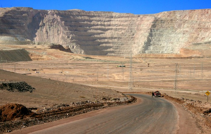 El reacomodo del sector minero: profundizando la adicción extractivista