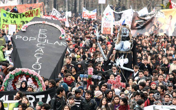 ¿Qué pasó el 2011?: el derrumbe de la legitimidad de la élite