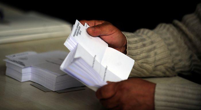 Grupo transversal en el Senado firma moción para reponer el voto obligatorio