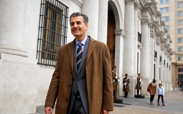 Velasco hace dura crítica al Gobierno y dice que no cree que la Nueva Mayoría sobreviva más allá de este periodo