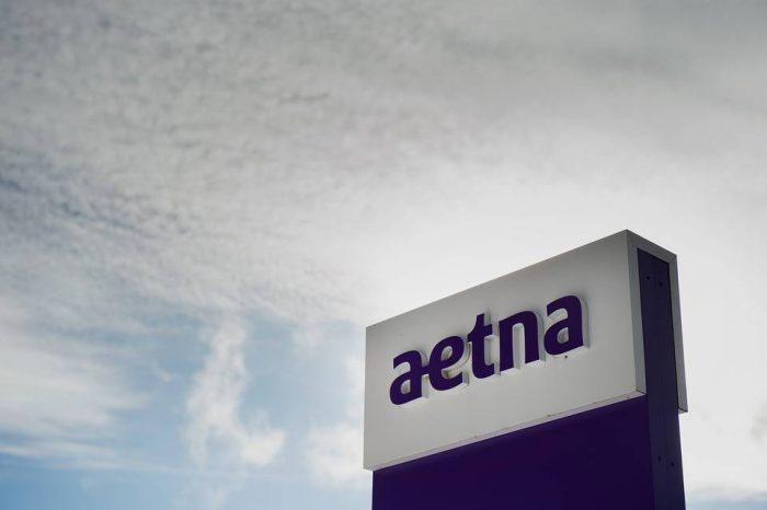 Aetna compra compañía de seguros médicos rival Humana por US$37 mil millones