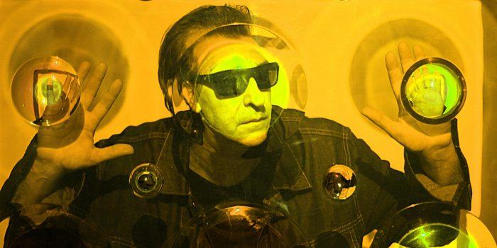 El ícono de la electrónica argentina Daniel Melero llega al festival Neutral para presentar su último disco