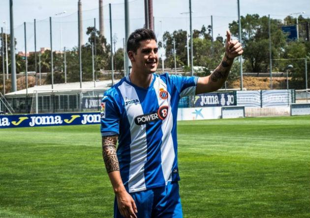 Sigue en Primera: Enzo Roco fue presentado en el Espanyol