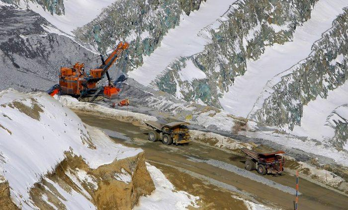Minera Anglo American anuncia ola de despidos afectada por caída en precios de commodities