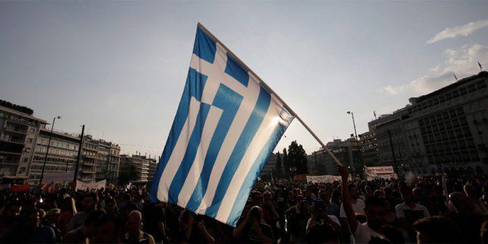 Tsipras pide respetar proceso democrático mientras Grecia ya se divide por referndo