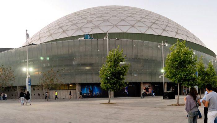 Otra mentira: que el estadio techado del Parque O'Higgins iba a ser para la gente