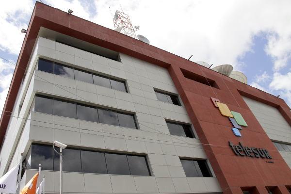 Cadena Telesur, la alternativa latinoamericana a CNN, cumple diez años de transmisiones