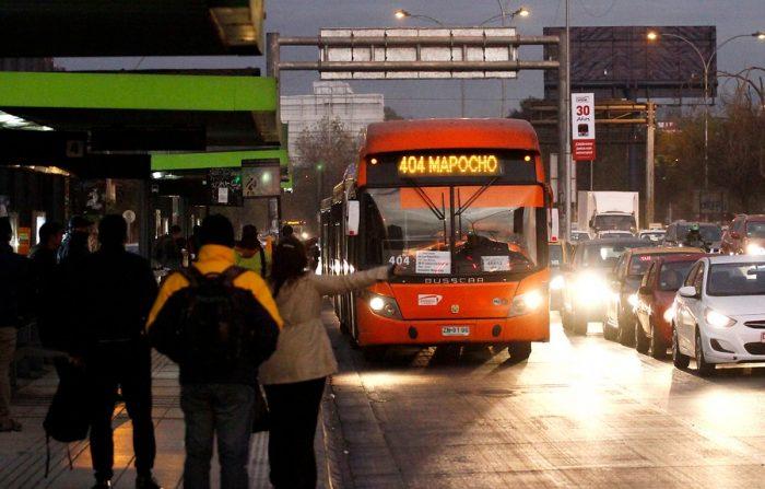 Servicios de transporte operarán con normalidad en comunas con cuarentena total