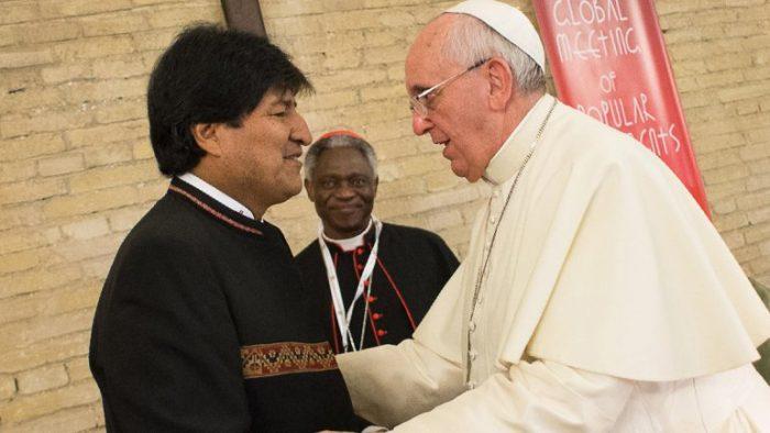 Papa alude a conflicto por el mar y se acerca a tesis chilena de diálogo entre las partes