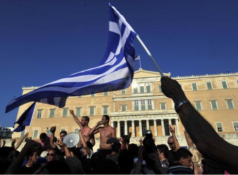 Unión Europea aprueba financiamiento de urgencia de 7.160 millones para Grecia