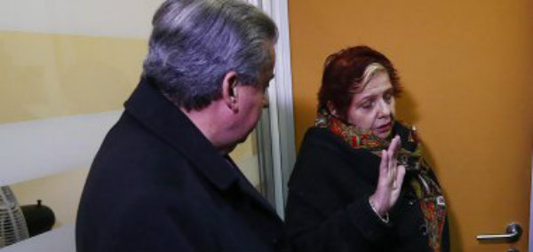 Tía de joven asesinado en caso Quemados echó a Pablo Honorato de conferencia de prensa