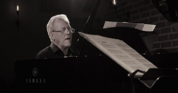 Muere pianista John Taylor tras sufrir un infarto cuando tocaba jazz en Francia
