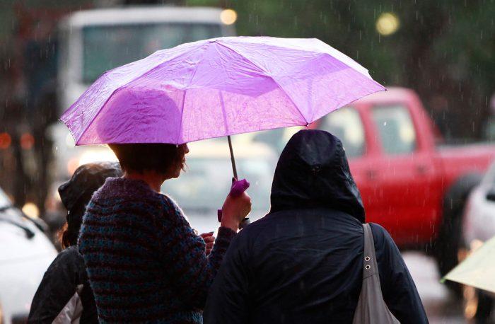 Intendencia Metropolitana decreta alerta temprana ante pronóstico de lluvias en Santiago