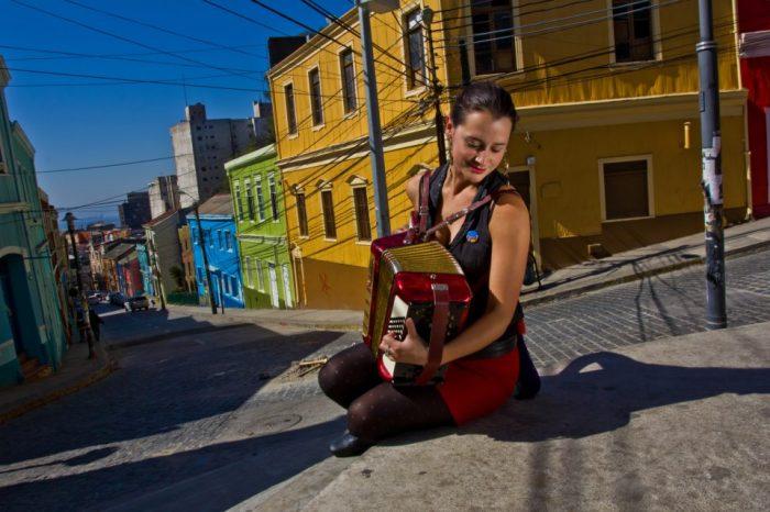 Pascuala Ilabaca y Los Kuervos del Sur se presentarán en el Mercado Cultural de Medellín Circulart