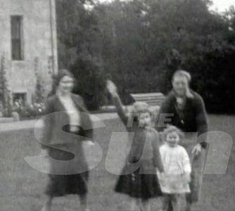 Polémica por el saludo nazi de Isabel II cuando era pequeña
