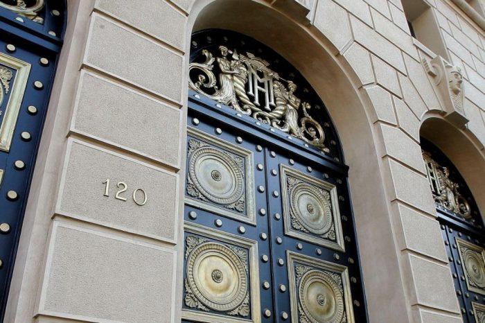 BBVA dice que Hacienda tiene un duro desafío entre manos: gastar US$ 8.000 millones en siete meses