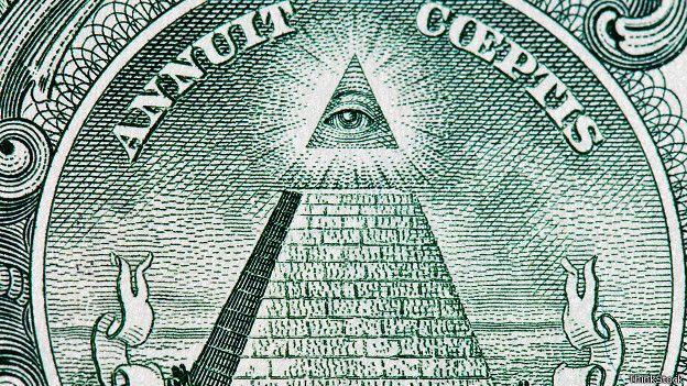 """El famoso """"ojo que todo lo ve"""" que aparece en los billetes de dólar se ha vinculado con los Illuminati."""