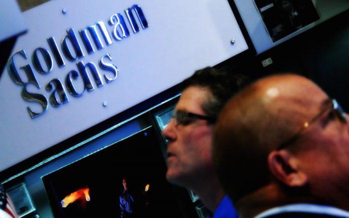 Goldman enfrenta duro impacto de US$260 millones; Uber se hunde