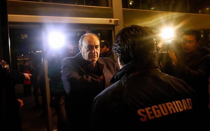 22 de Junio de 2015/SANTIAGO_- El senador  UDI, Alberto Cardemil , llega hasta el centro de justicia para ser formalizado por el Caso Penta_. FOTO: PEDRO CERDA/AGENCIAUNO_.