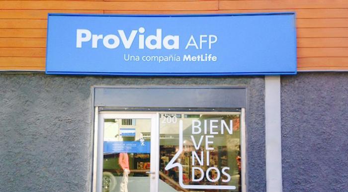 Reforma tributaria podría golpear fusión de Metlife con AFP Provida y luchan para evitar que SII les caiga encima con norma antielusión