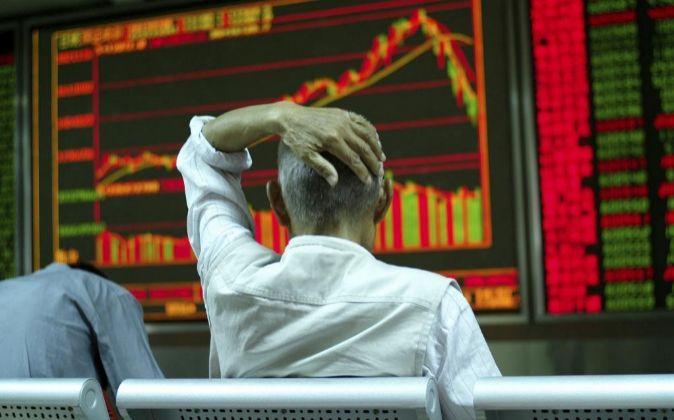 Bolsa china cae otro 5,3% este lunes, mientras el  mundo se entera de la muerte de David Bowie