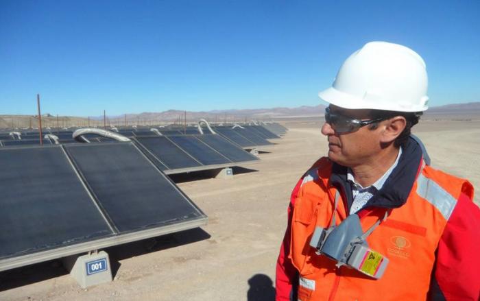 Apuesta de mineras chilenas por energías renovables comienza a dar frutos justo en un momento complejo para la industria