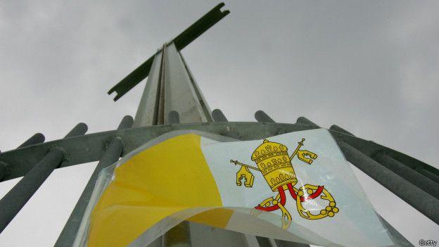 La iglesia católica en Irlanda ofreció compensaciones financieras a cambio de que las víctimas guardaran silencio.