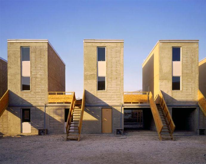 Habitantes de la comuna de Santiago exigen construcción de viviendas sociales
