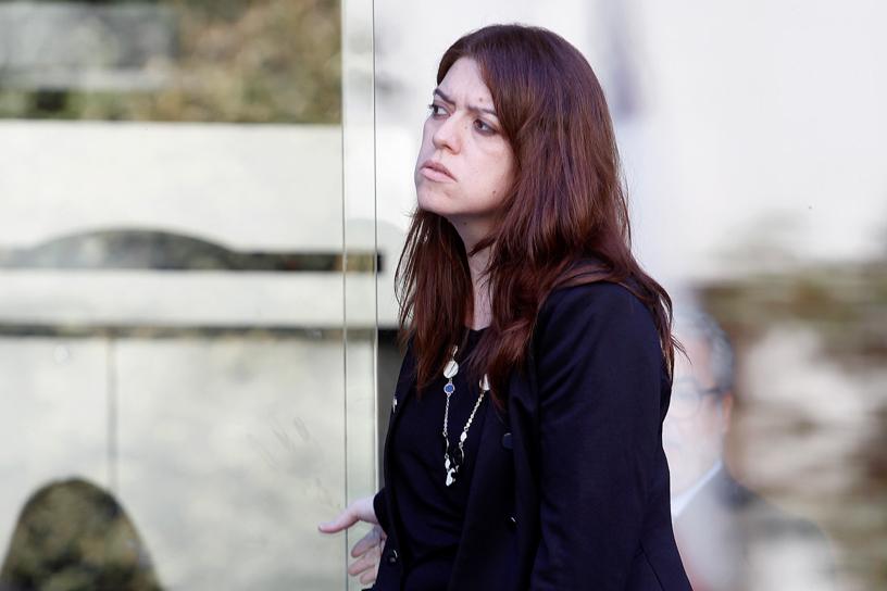 6 de Abril de 2015/SANTIAGO  La jefa de impuestos internos de SQM , Danitza Yepez se retira de la fiscalia nacional luego de su declaracion en el caso SQM.  FOTO:RODRIGO SÁENZ/AGENCIAUNO