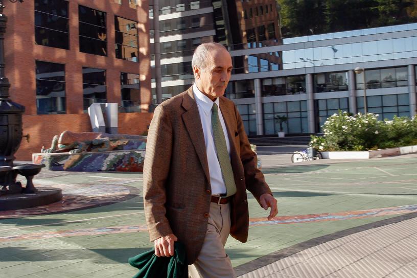 21 de Abril del 2015/SANTIAGO Jose Cox  director de Bankcorp se retira de la Fiscalia Nacional luego de declarar ante el fiscal del caso por la arista  sqm. FOTO: RODRIGO SÀENZ/AGENCIAUNO