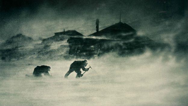 Esta foto corresponde a una tormenta en Cabo Denison, en el año 1912.