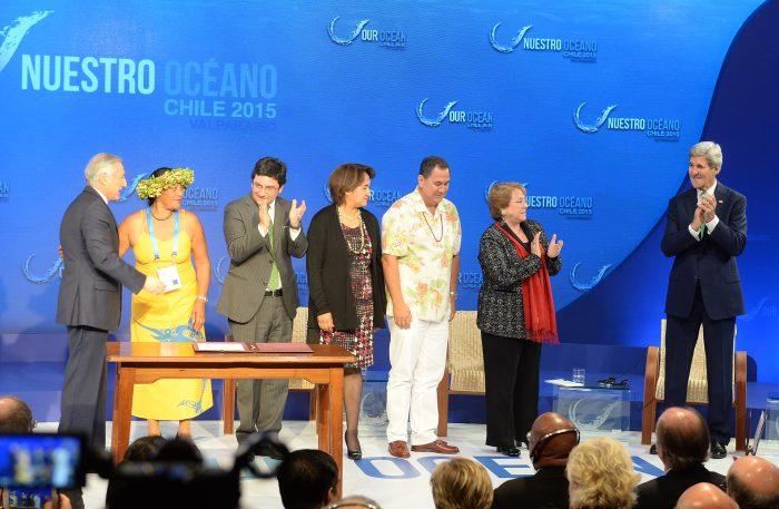 Comunidad Rapa Nui celebra anuncio de Bachelet sobre creación del área marina protegida más grande del mundo