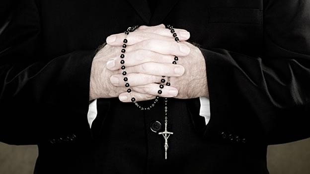 Sacerdote pidió perdón por invitar a adultos mayores a participar de misa en Maipú