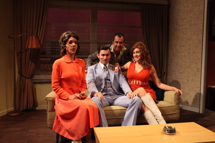 "Función gratuita obra ""Tres tristes tigres"" en Teatro Municipal de Ovalle, 30 de octubre"