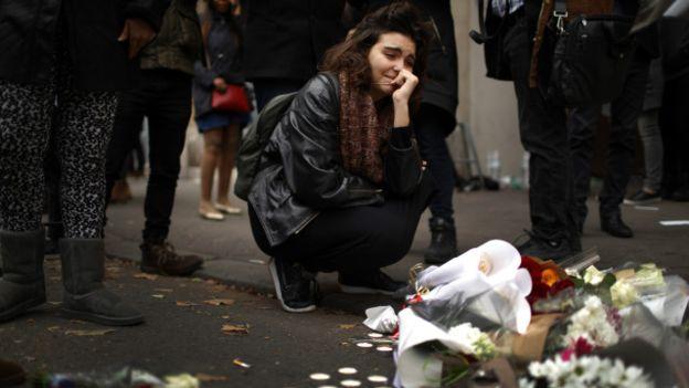 Lo que se sabe de los ataques reinvidicados por Estado Islámico que dejaron al menos 129 muertos en París