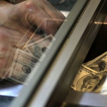 Peso chileno sigue imparable: dólar cayó hasta $661,30 este lunes