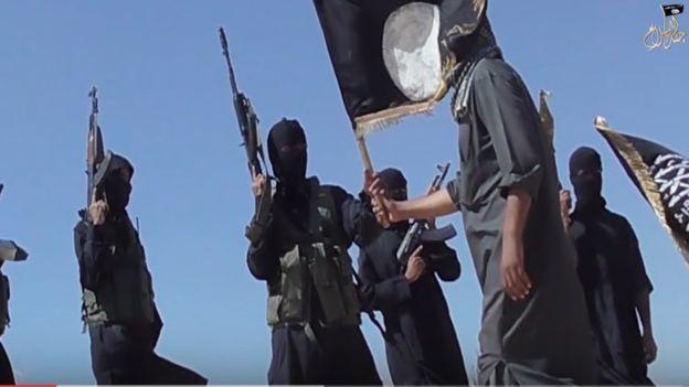 Jund al Islam publicó un video exhibiendo su fuerza.