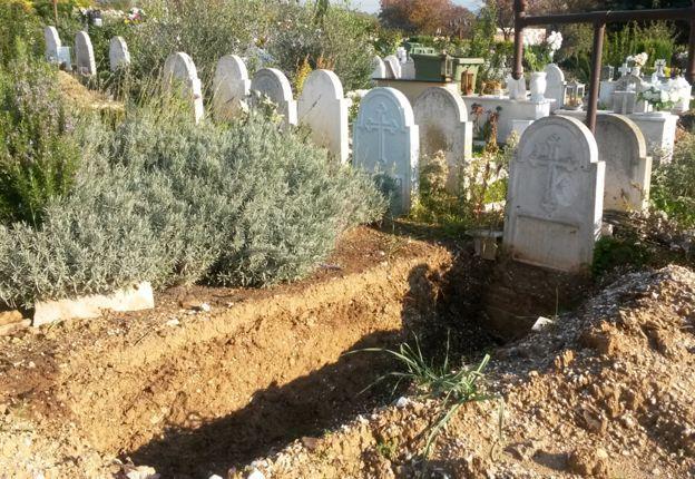 Una de las tantas tumbas vaciadas en Tesalónica.
