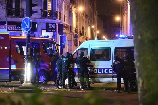 Identifican uno de los terroristas de los ataques de París que cruzó Serbia y Croacia como refugiado