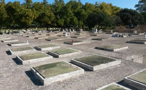 El sector de las tumbas sin nombre, totalmente lleno.