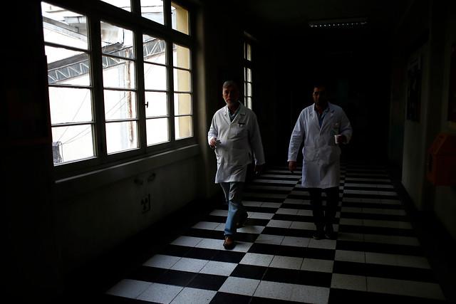 Cadem: 69% considera que la salud en Chile es mala o muy mala