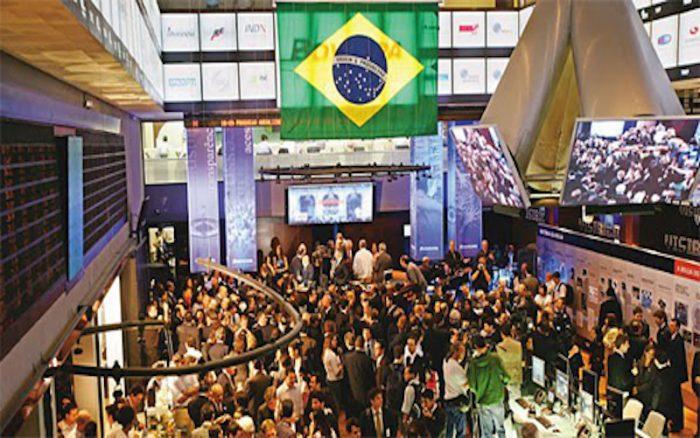 Profunda crisis crediticia afecta ingresos bancarios en Brasil e Itaú podría ser una de las víctimas